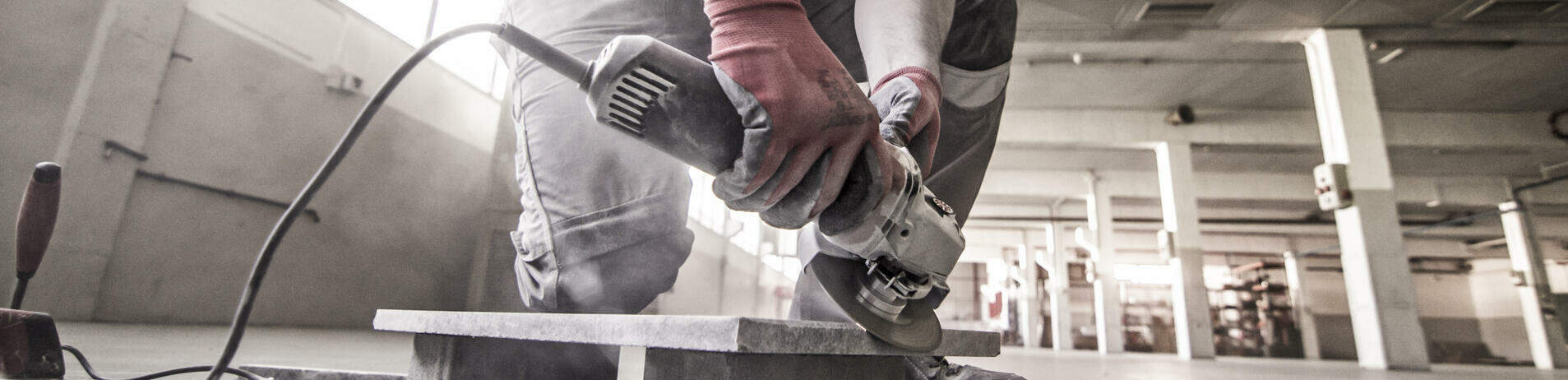 Cutting and grinding with the best tiling tools