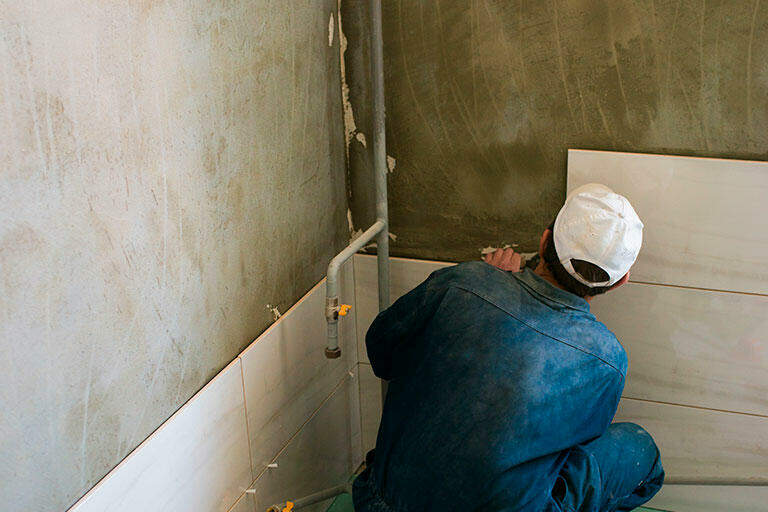 how to remove tile from wall