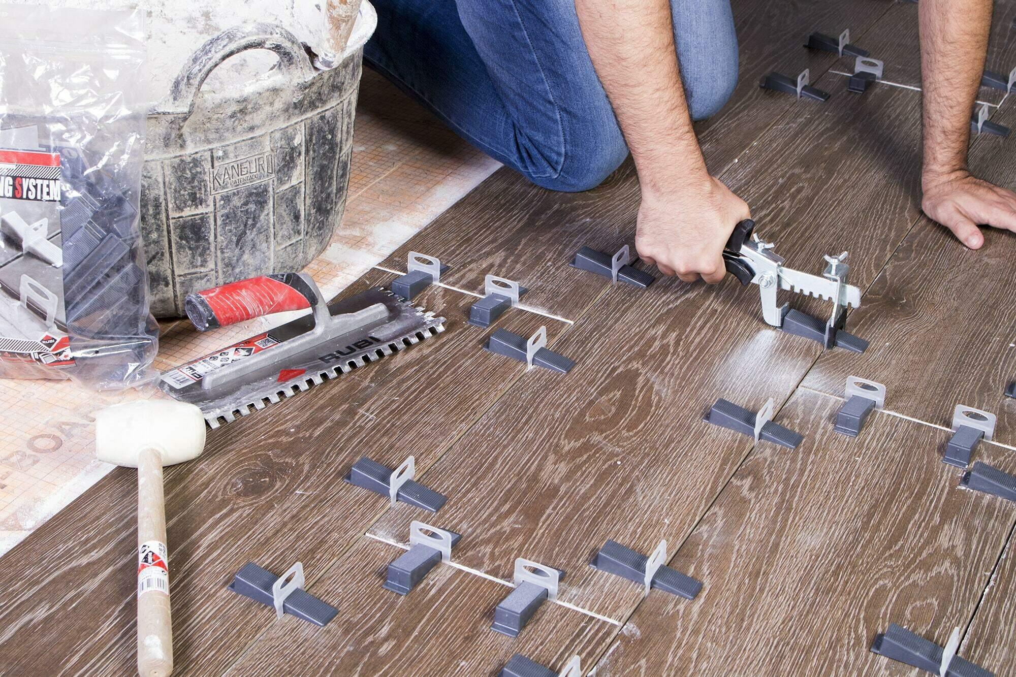 Tegel Leveling Systeem : Tegel leveling rubi geeft jou tips voor een egale tegelvloer