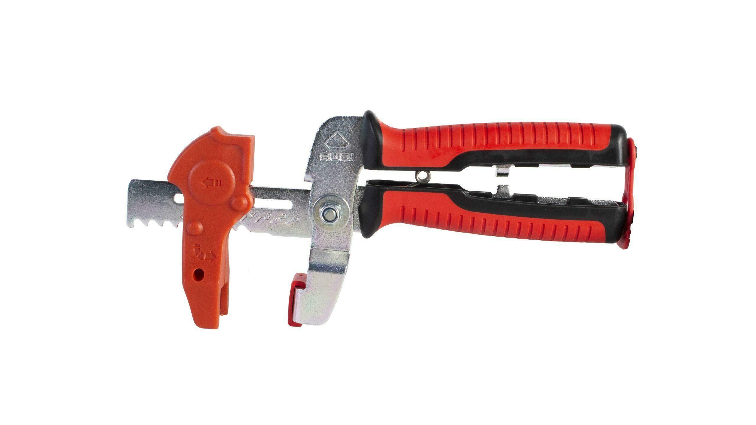 De clips van het DELTA LEVEL systeem kunnen aangetrokken worden met de tang.