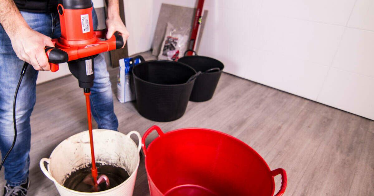 Een mixer mag niet ontbreken in de top 10 van gereedschappen voor de tegelzetter.