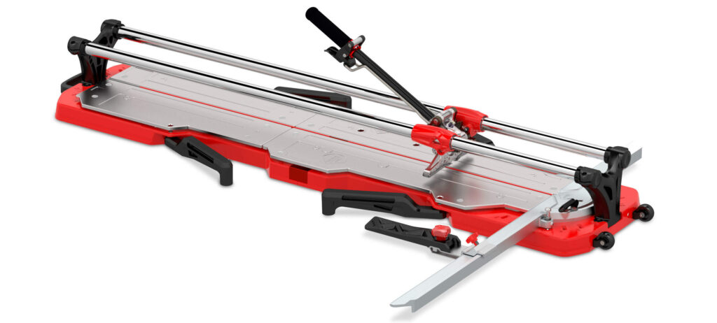 De TX-max tegelsnijder is één van de nieuwste producten die de tegelzetter op de Bouwbeurs kan zien.