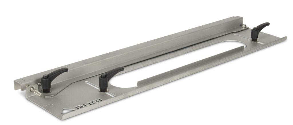 Een plintenzaaggeleider is een onmisbare accessoire voor je tegelzaagmachine.