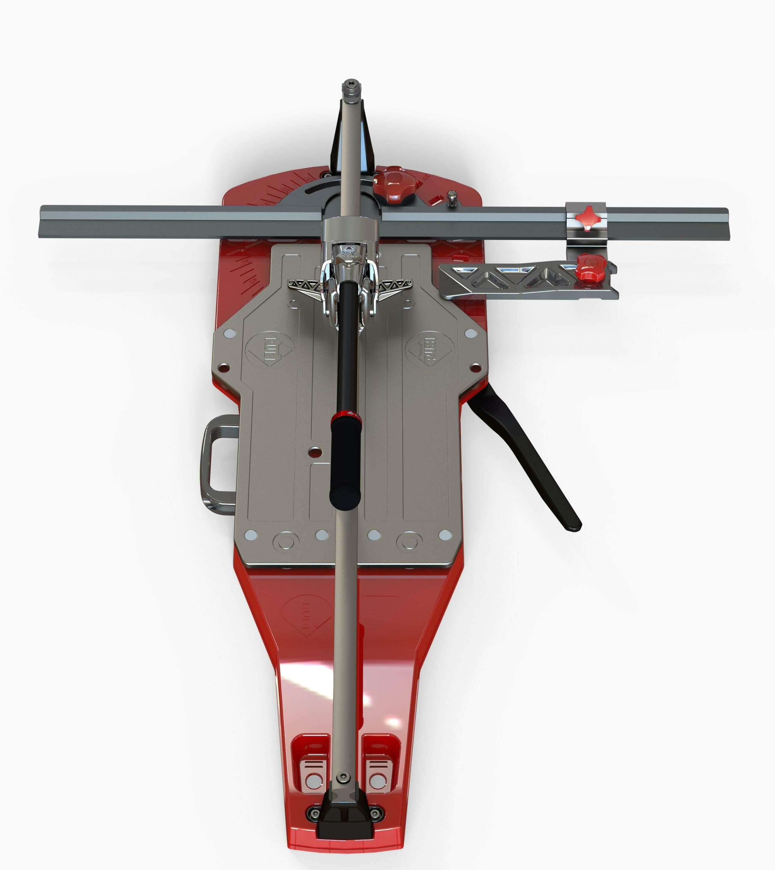 De TQ-MAGNET tegelsnijder is uitgerust met een zijsteun en een handgreep of met twee zijsteunen.