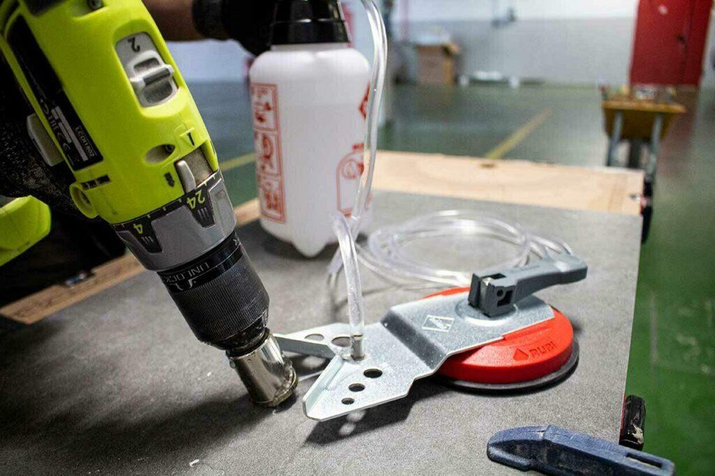 Een goede tip voor beter boren is een watertank met voldoende waterinhoud.