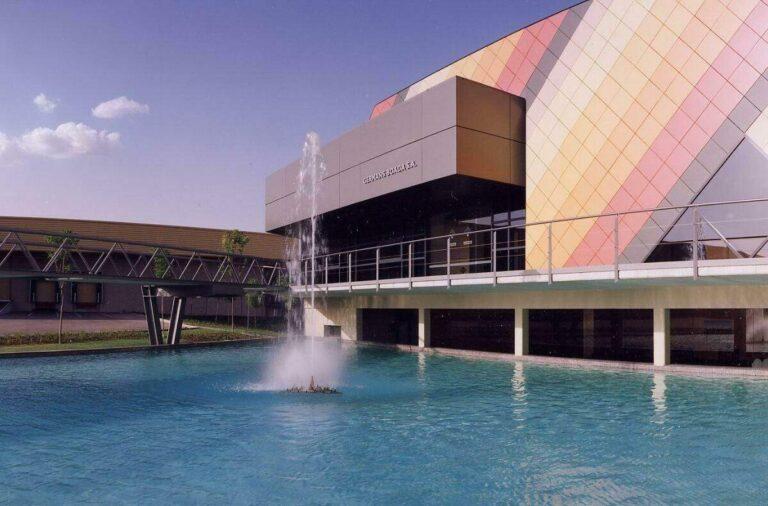 Het logistiek centrum in Santa Oliva, waar 80% van de productie plaatsvindt.