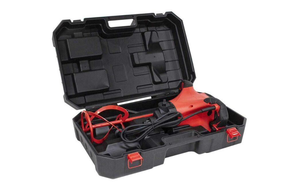In de koffer is plaats voor de mixers en een mengstaaf.