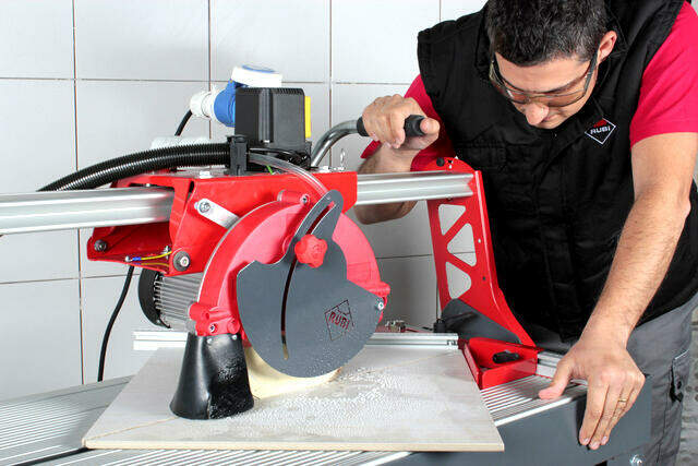 The best tile saw - RUBI DC-250 Featured Image