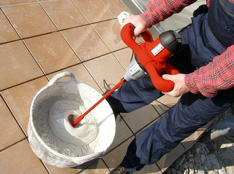 How to mix mortar for tile installation